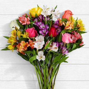 سفارش گل اینترنتی- دسته گل آلسترومریا و رز