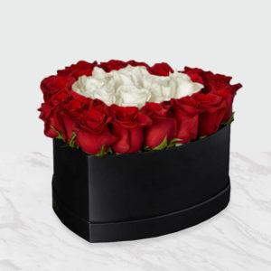 خرید اینترنتی جعبه رز قرمز و سفید قلبی