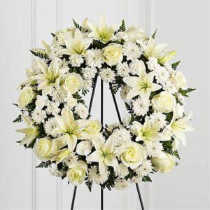 خرید گل آنلاین- تاج حلقه گل آرامش
