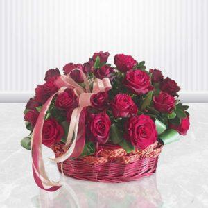سبد گل رز قرمز فانتزی خرید آنلاین