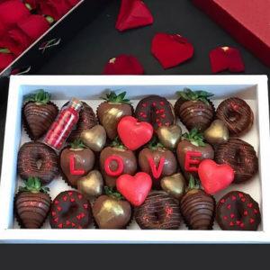 خرید جعبه هدیه شکلات Love