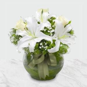 گلدان گل رز و لیلیوم رمانتیک