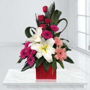 خرید سبد گل اینترنتی - جعبه گل شادمانه