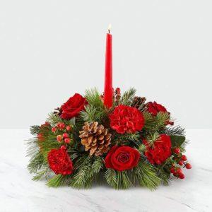 سبد گل و شمع تابان