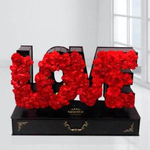 باکس Love گل میخک