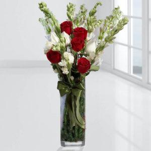 گلدان گل مریم و رز