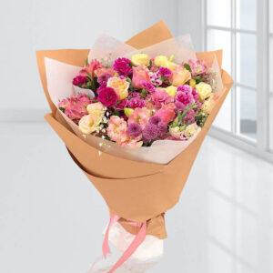 دسته گل رنگارنگ فصلی