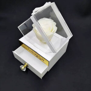 گل رز جاودان سفید باکس سفید