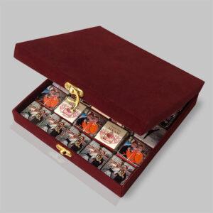 شکلات سفارشی مدل صندوق مخملی