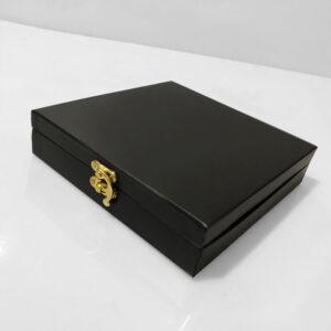 شکلات سفارشی مدل صندوق چرمی